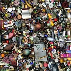 DISPOSOFOBIA – Smarrire l'identità tra i propri oggetti